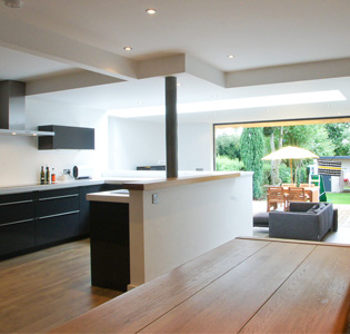 Case studies rational kitchens for Modern kitchen in 1930s house